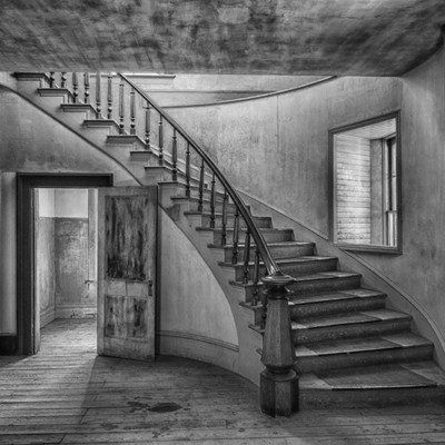 SONYA LANG - Meade-Hotel - 16x24 photograph on canvas