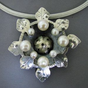 Liane Necklace 2